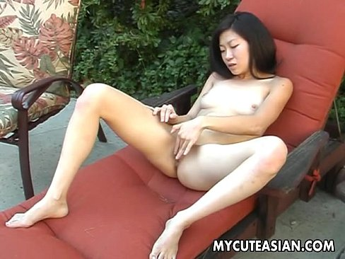 Asian wet pussy solo