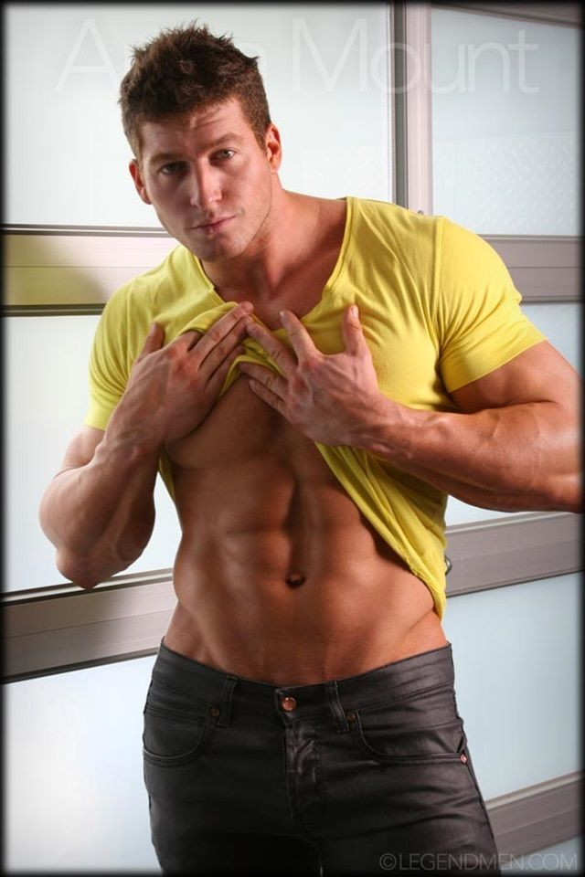 Hot gay muscle men nude