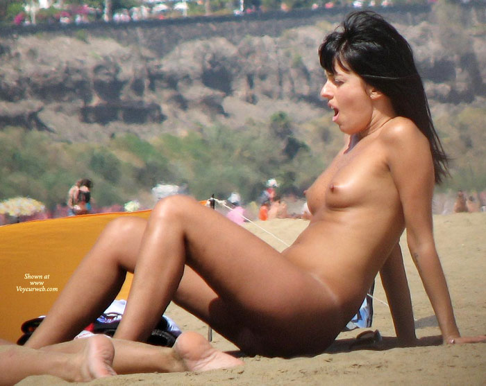 voyeur beach topless Amateur on girls
