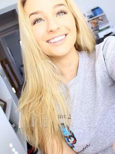 Young blonde teen selfie