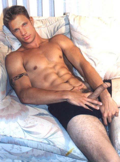 fakes nude Nick lachey