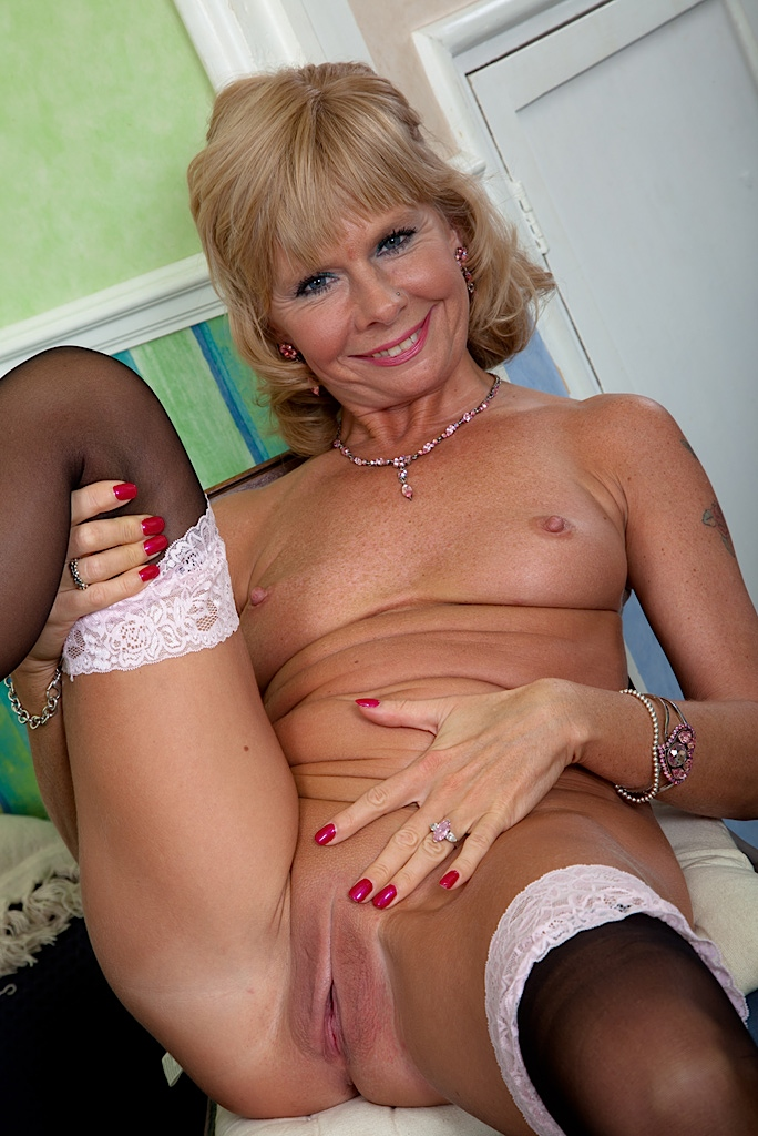 Mature older woman porn