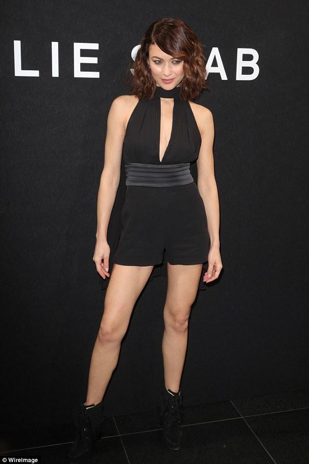 Olga Kurylenko Legs-Hot Nude