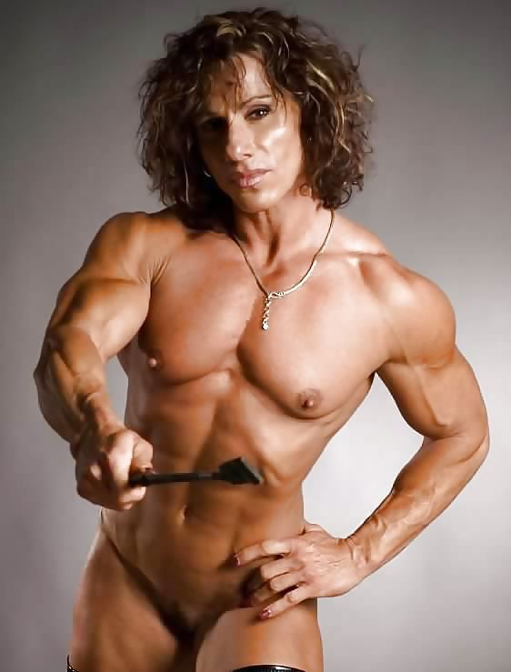 Naked female bodybuilders posing nude