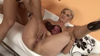 Mature women xxx porn