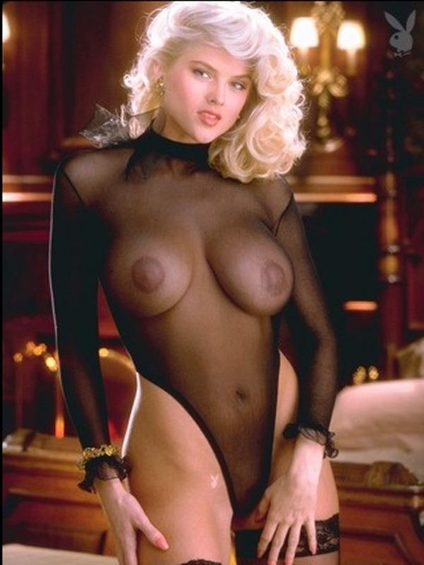 Anna nicole smith hot naked boobs