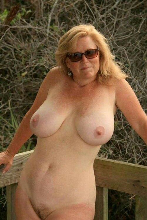 Busty mature wife nude