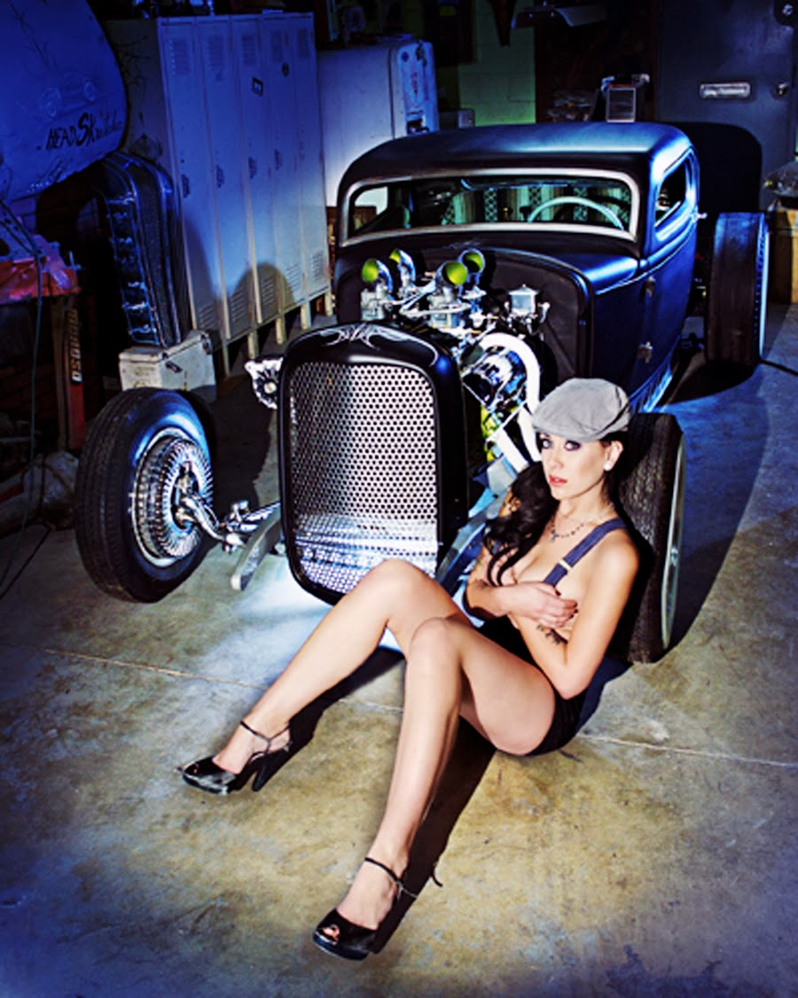 Custom cars and nude girls