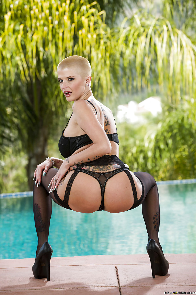 Milf joslyn james shaved head