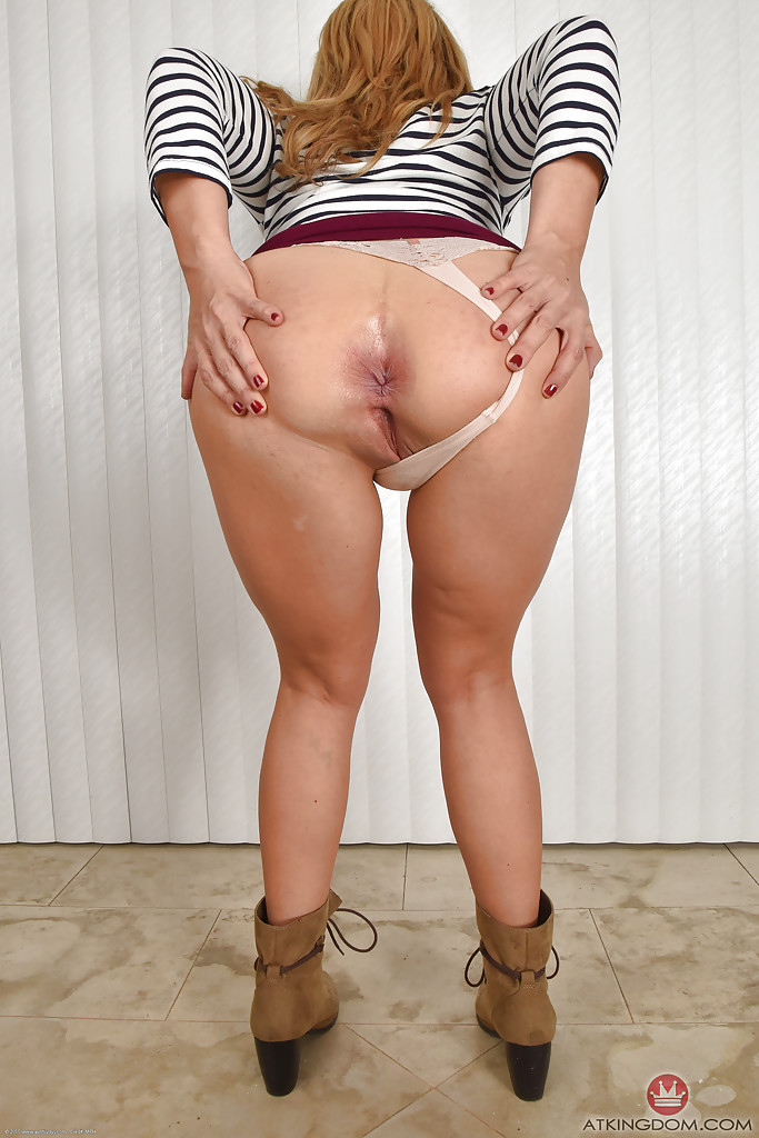 Shaved blonde pussy solo