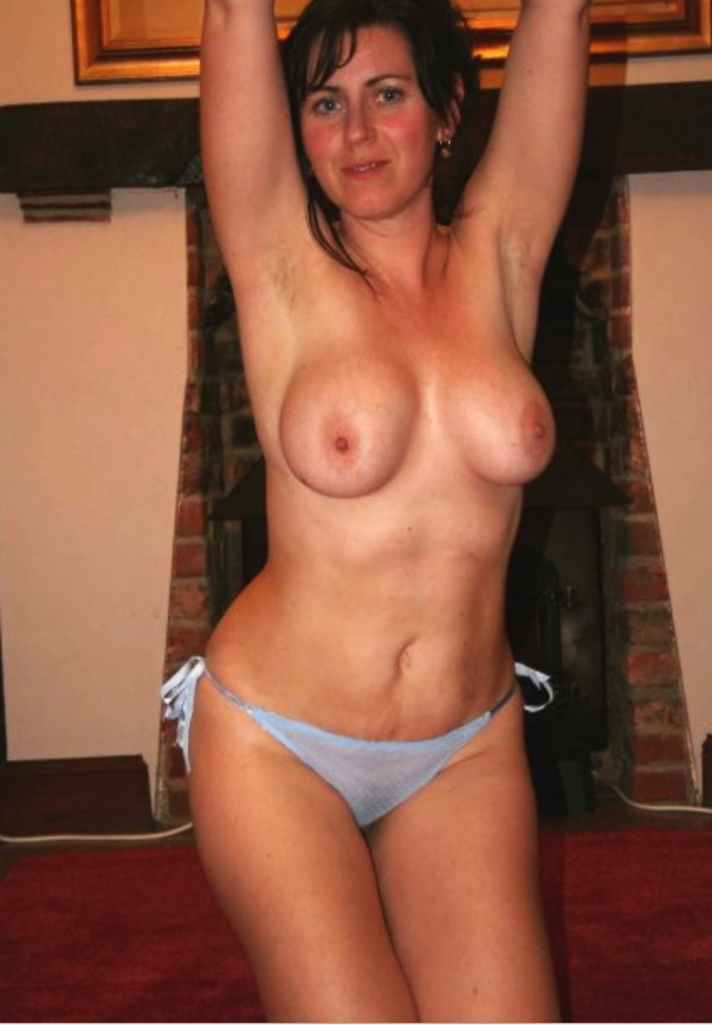 Hot mom topless