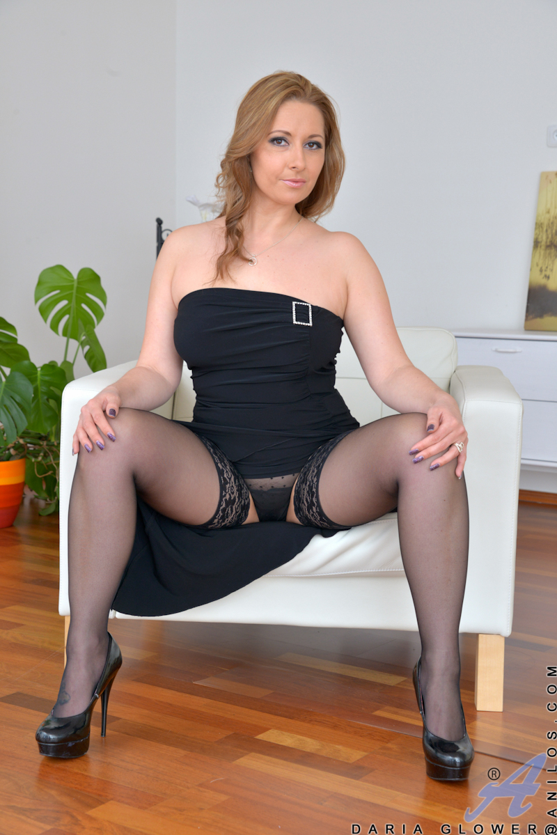 Stockings high heels big tits and pussy