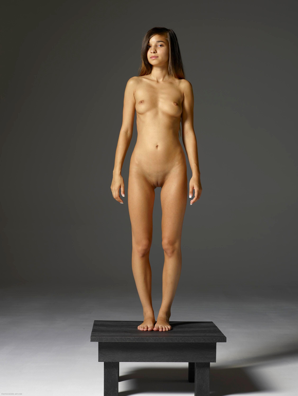 Nikola hegre art nude