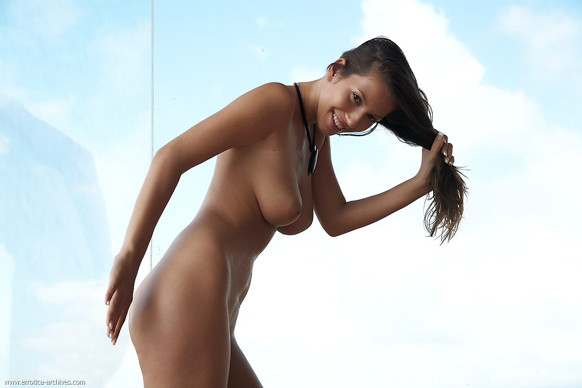 Hq nude brunettes