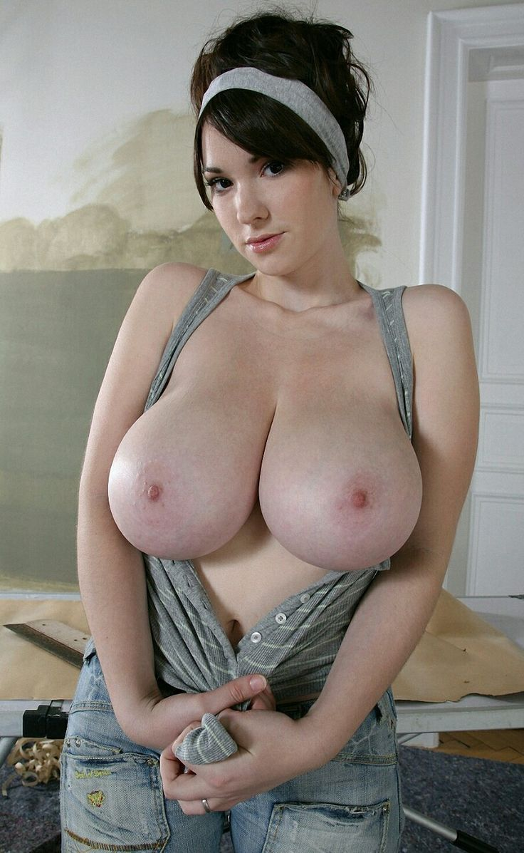 Busty bibs nu — photo 13