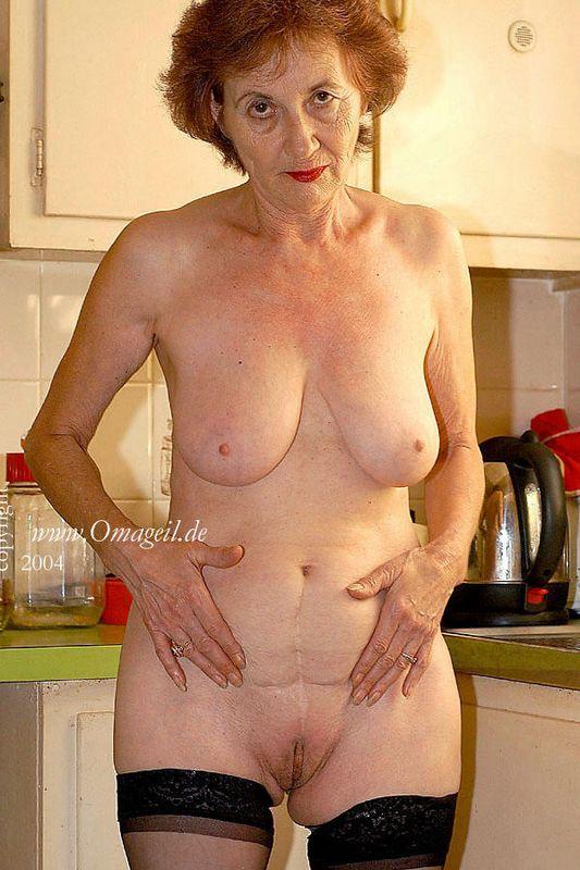 granny geil Nude oma