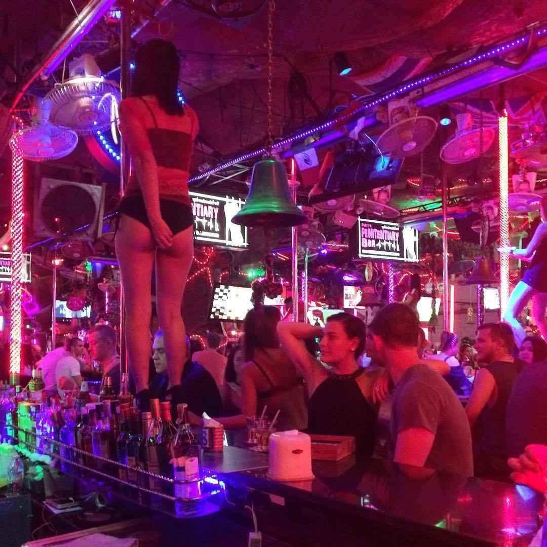 Drunk party girls at strip club sex