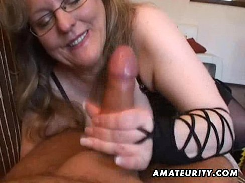 Amateur wife handjob cum slut