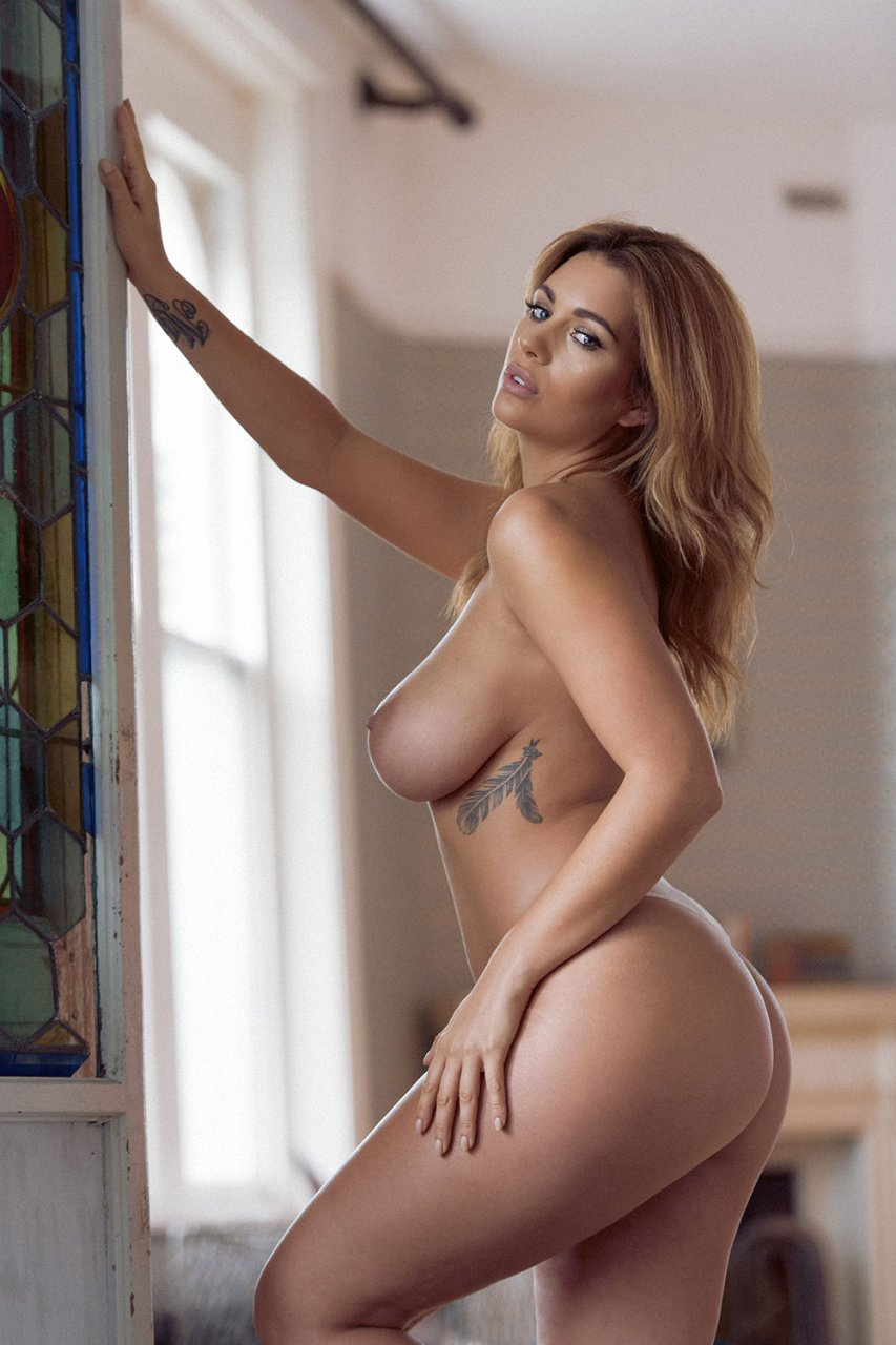 Holly peers topless