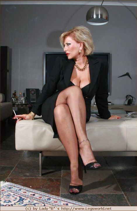smoking Mistress lady barbara