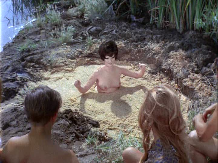 Lesbian sex in quicksand