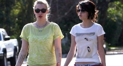 Selena gomez lesbian