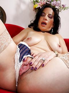 Hairy mature latina porn