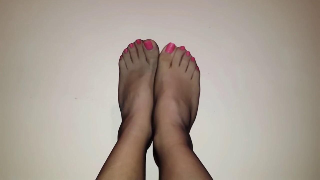 Pantyhose feet pics