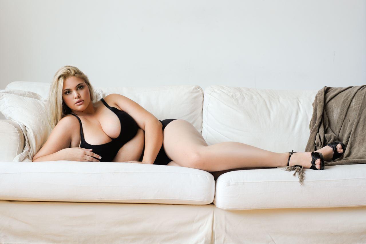 Elle quebec plus size model