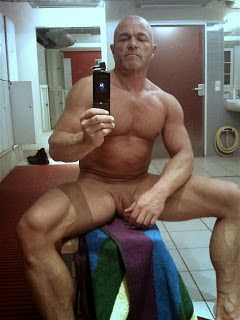 Naked guy selfie locker room