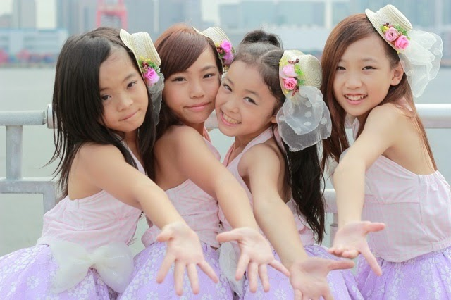 Very young japanese junior idols girls