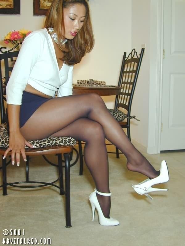 Sexy nylon legs and feet