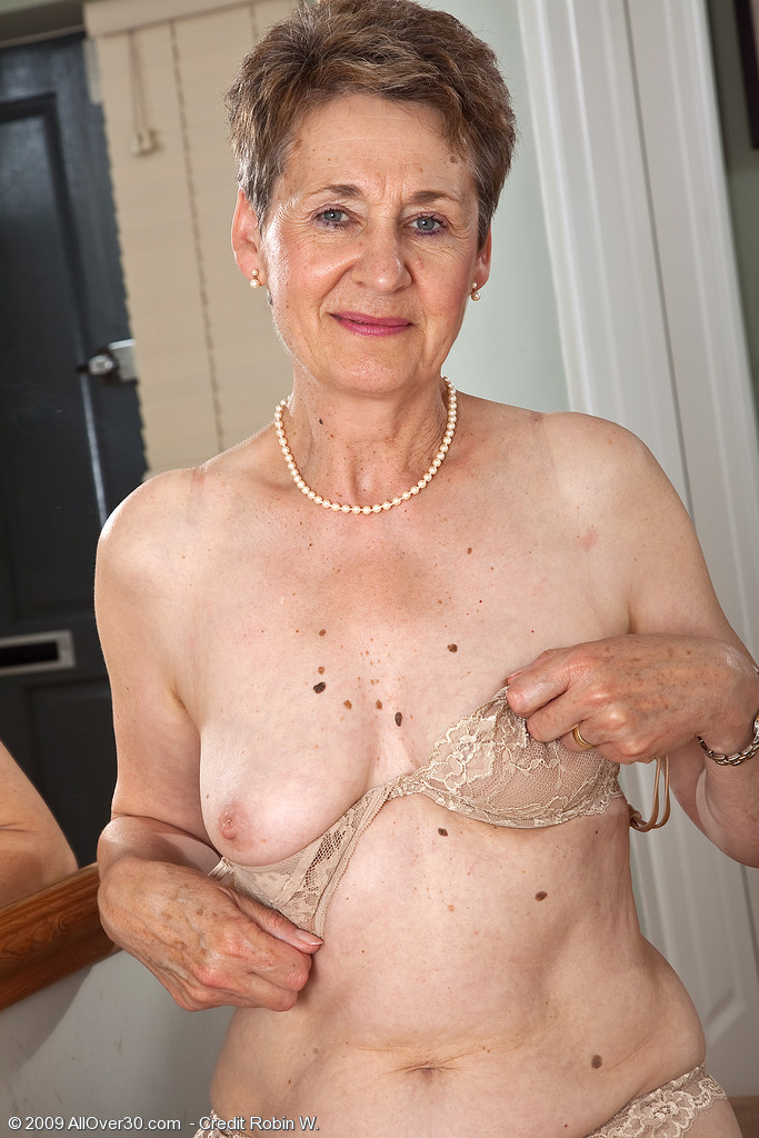 60 year old women pussy