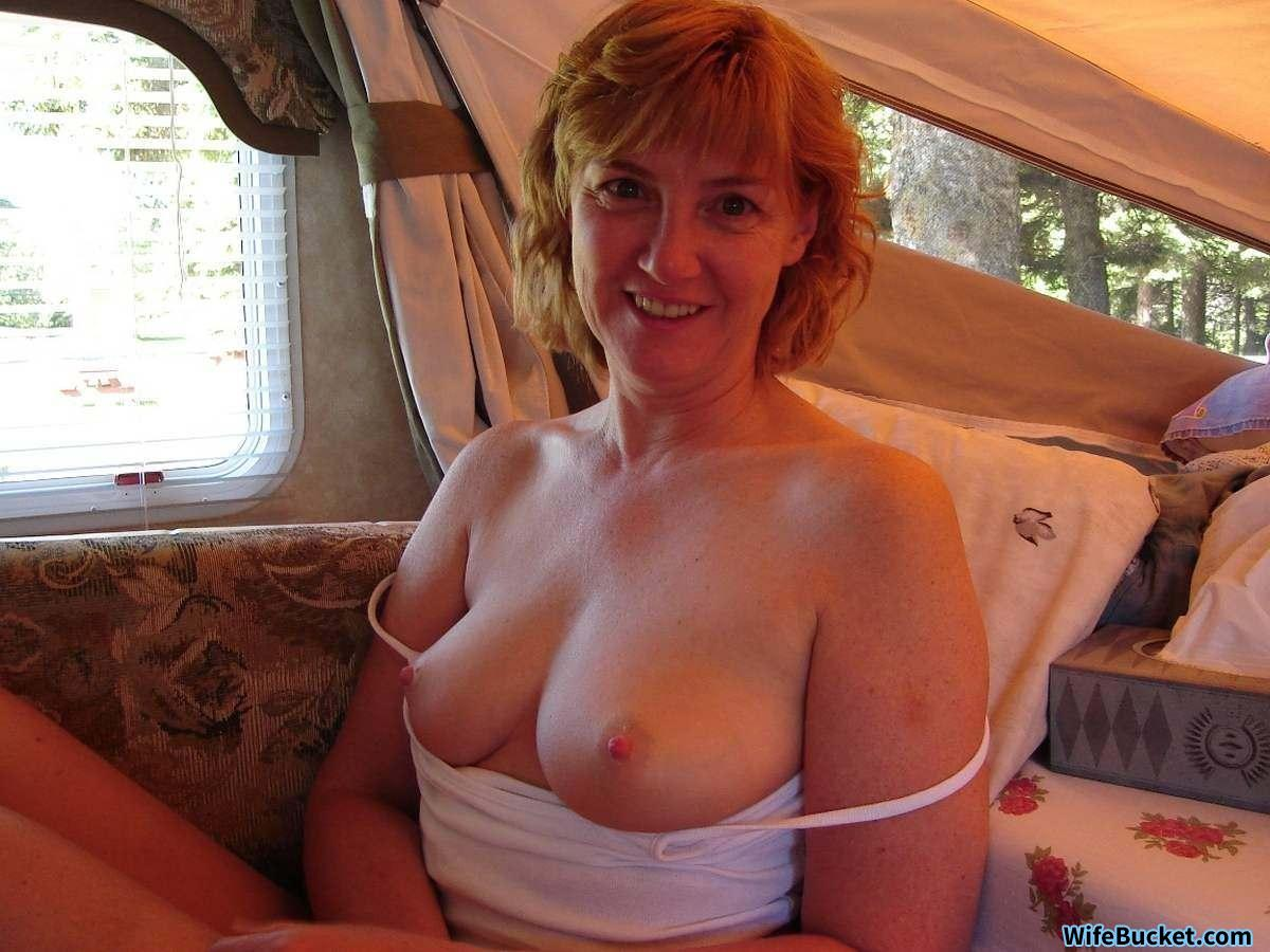 Amateur mature wife nude in car pictures