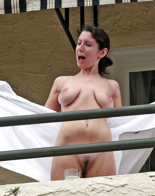 Beautiful naked natural women