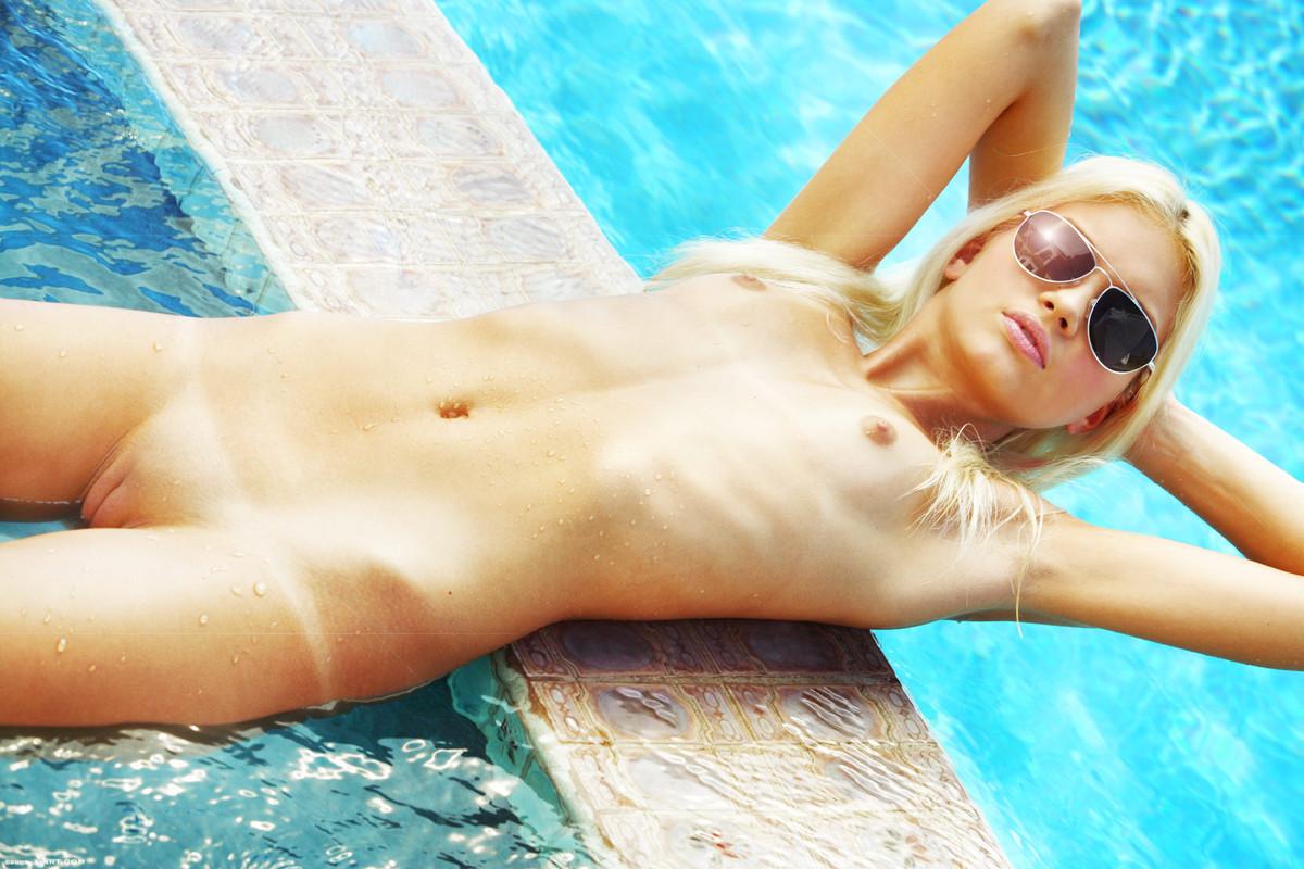 Francesca in pool naked