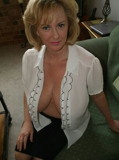 Mature milf nice boobs