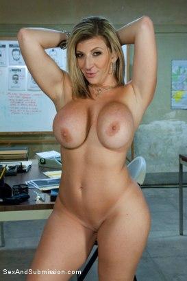 Ava devine sara jay nude