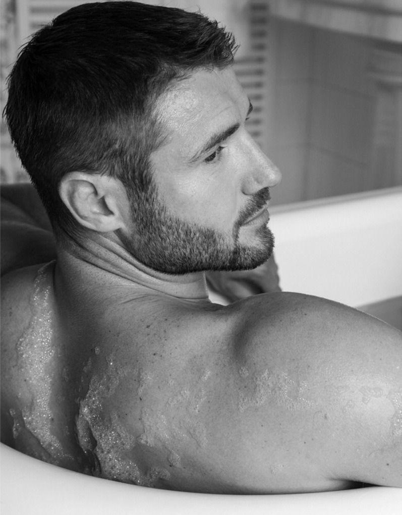 Hairy redhead bath