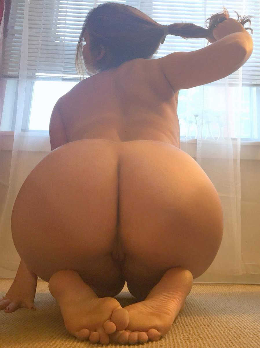 Black girl bent over ass and pussy