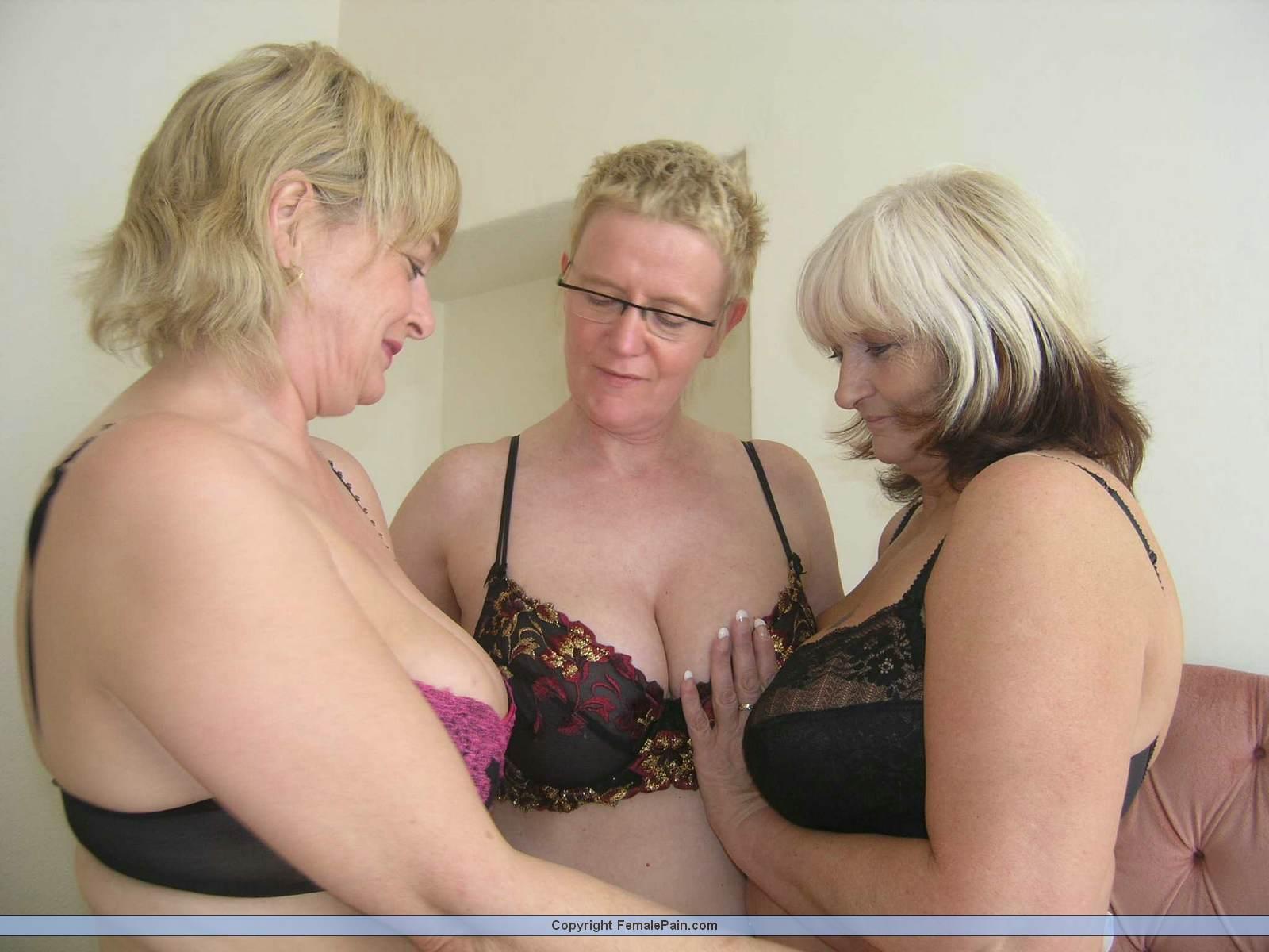 Granny lesbian threesome