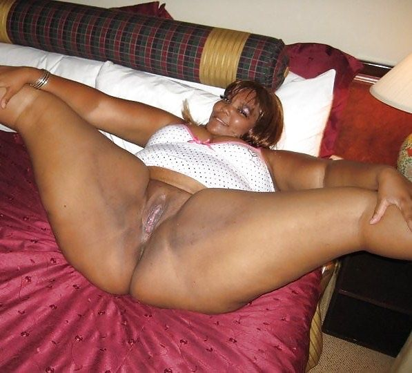 Thick black woman nude