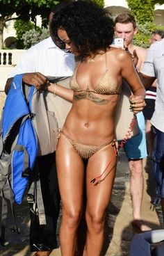Rihanna nude body