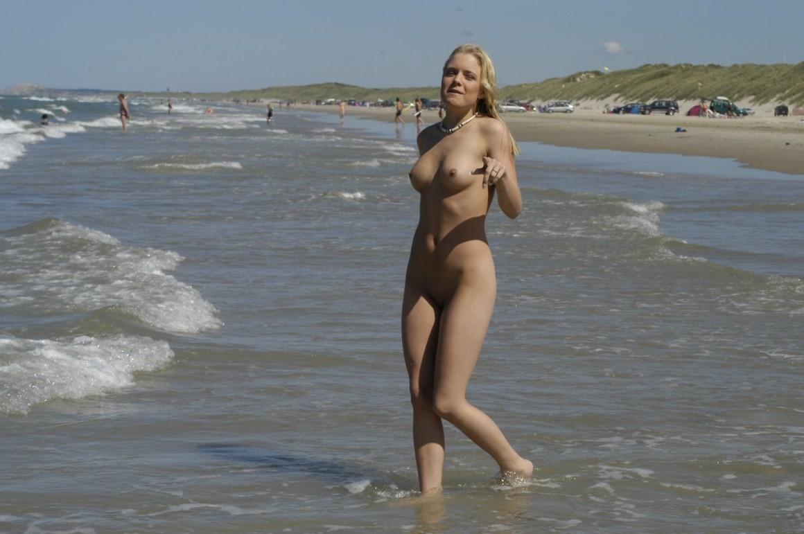 Amateur public nude beach girls
