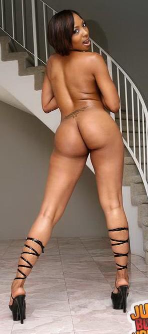 Roxy reynolds nude