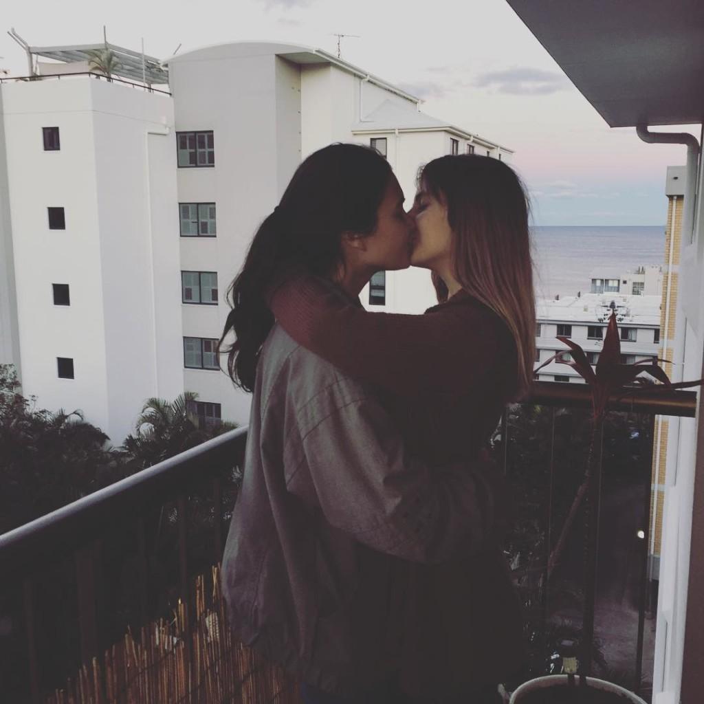 white sex lesbian Pregnant girl