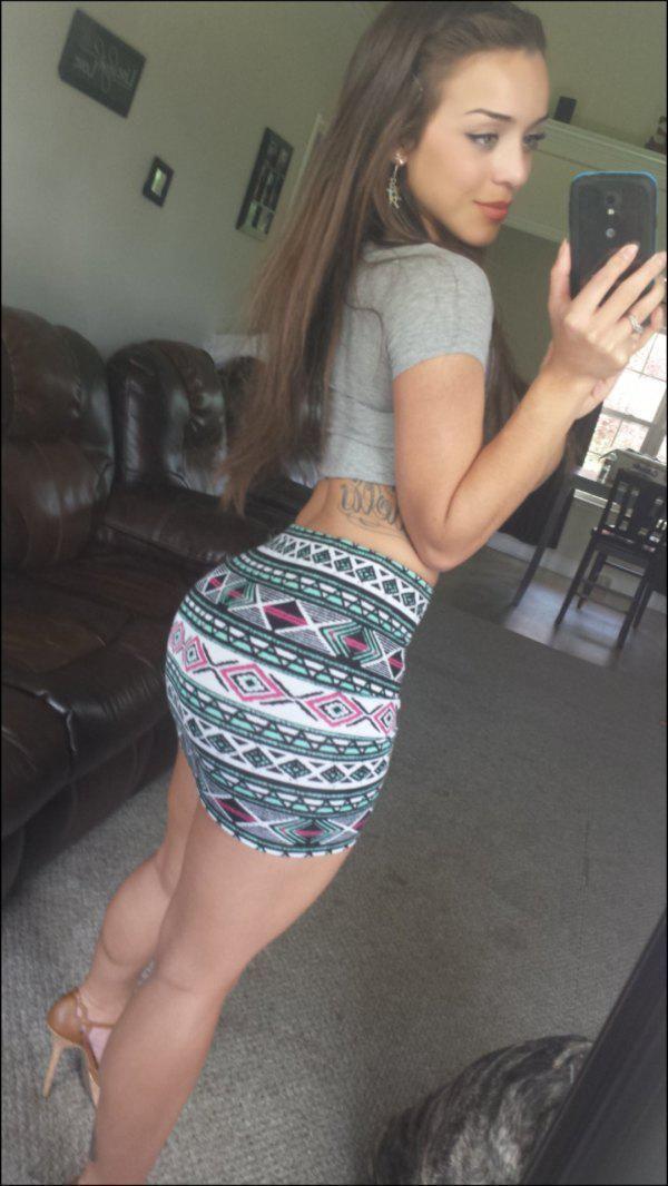Tight girl ass selfie