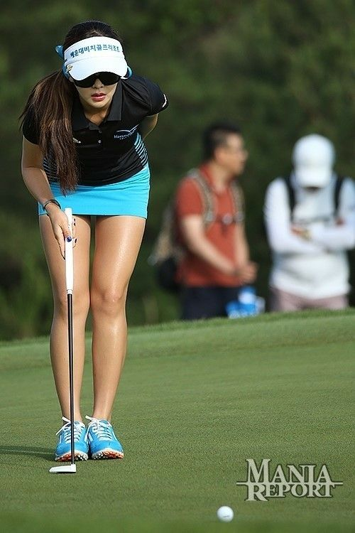 Short skirts golf girls