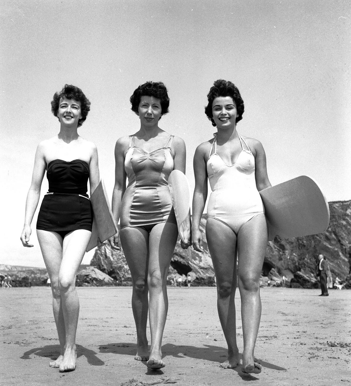 women Vintage beach