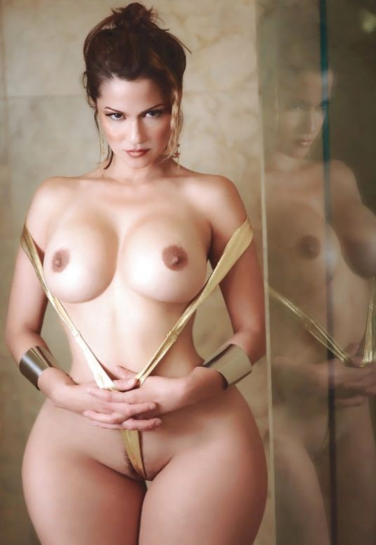 Curvy women having sex